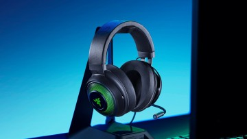1573753564_razer_kraken_ultimate_[2019]_lifestyle_2_-_w_chroma_logo